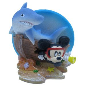 penn-plax-mickey-mouse-shipwreck-with-shark-mmcr2